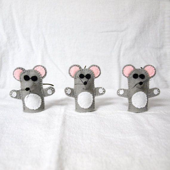 He encontrado este interesante anuncio de Etsy en https://www.etsy.com/es/listing/167520589/tres-ratones-ciegos-dedo-tiacuteteres