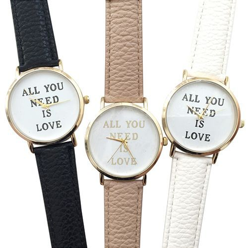 "La montre tendance de la saison idéal à offrir ou s'offrir! Superbe montre ""all you need is love"", unique en son genre. Mouvement à trois aiguilles.  Un jolie montre qui sublimera vos poignets en un clin d'oeil!!!  Emballage cadeau offert!"