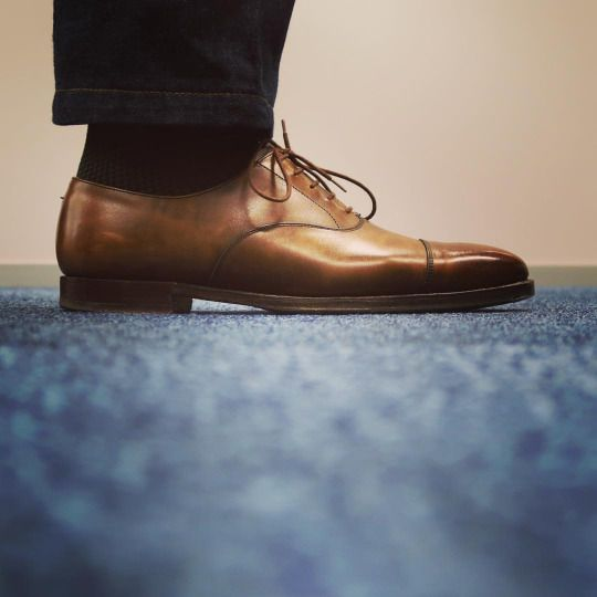 Hallam by @crockettandjones_official with green socks from @bresciani1970 and @luxire_com bespoke selvedge jeans