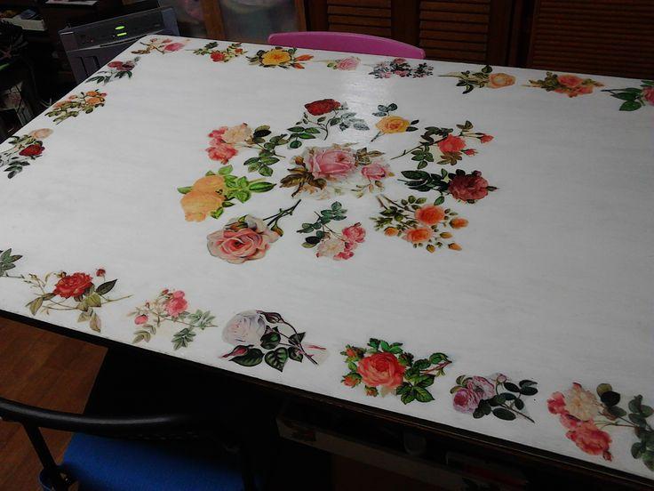 ベニヤ板にデコパージュしてテーブルに table decoupage
