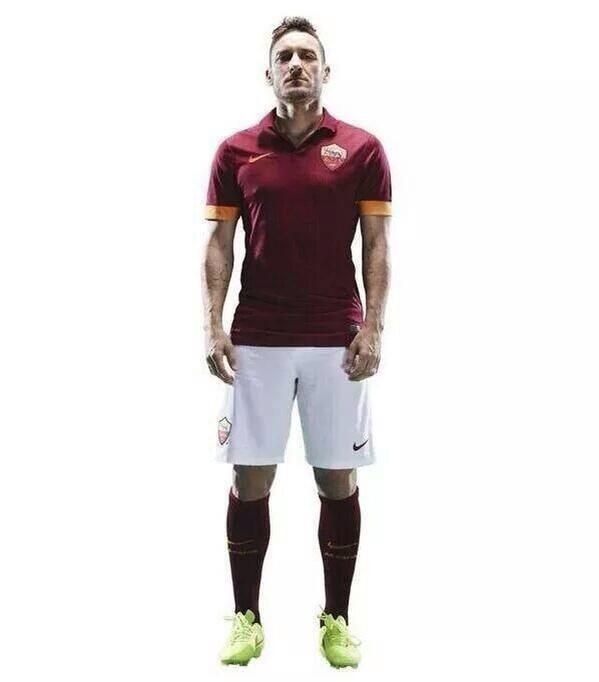 Totti with the new Nike Kit