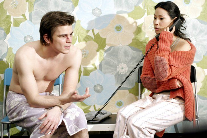 Pin for Later: The Hottest Shirtless Guys in Movies Josh Hartnett, Lucky Number Slevin With a bare-chested Josh Hartnett mere inches away, Lucy Liu doesn't seem to be paying too much attention to that phone call.