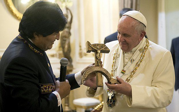 The Gift Accepted by Pope Francis that Should Frighten All Americans   The PolitiStick