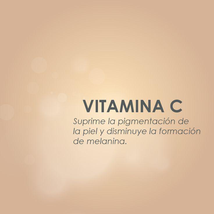 La Crema Aclarante Peña contiene propiedades que le dan a tu piel un tono uniforme gracias a los beneficios de la vitamina C.