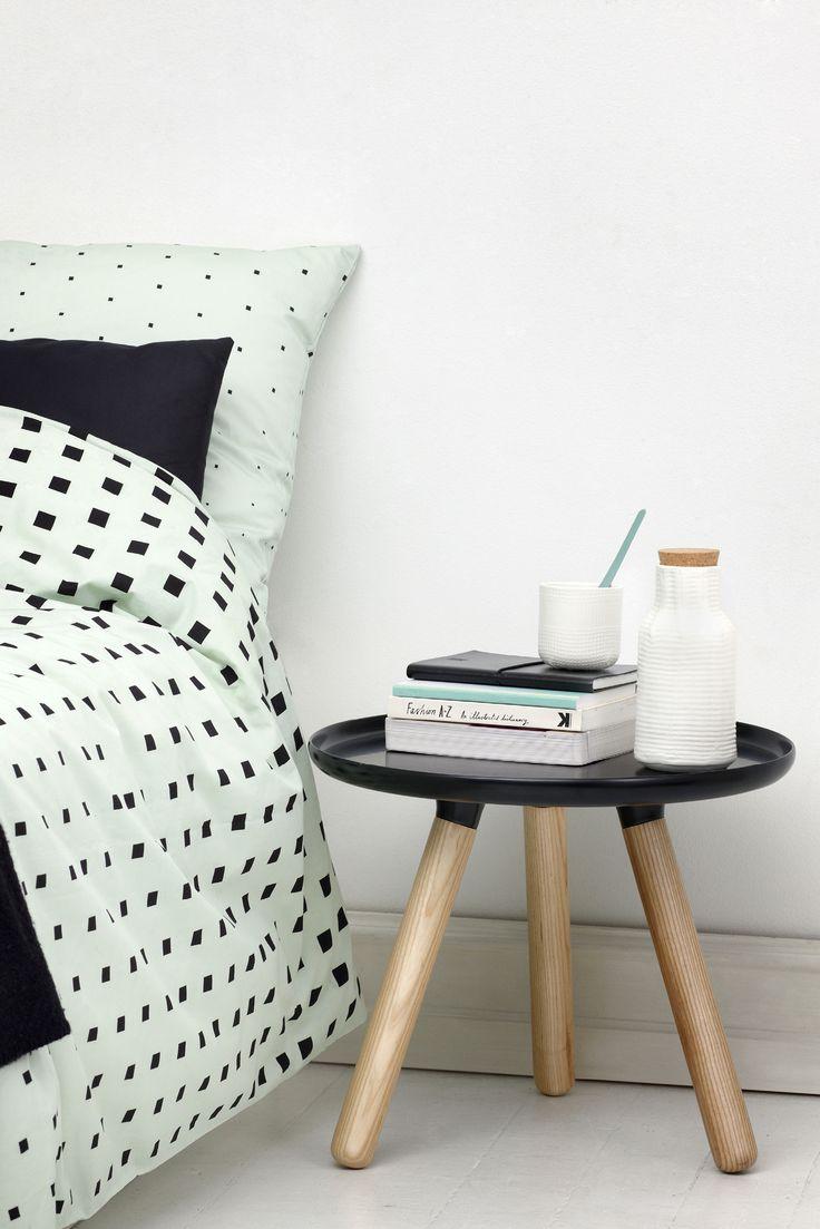 Cube sengesett fra Normann Copenhagen, designet av Anne Lehmann. Fint grafisk sengetøy, der det firkantete kubemønsteret gradvist fader ut til det forsvinner helt.