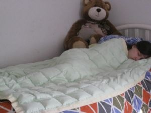 Weighted blankets have long been used with children and adults with a range of diagnosis including ADHD, ADD, PDD-NOS, those on the Autism Spectrum, Sensory Processing Disorder, Bi-Polar Disorder, Dementia or anyone who sufferes from anxiety and depression.