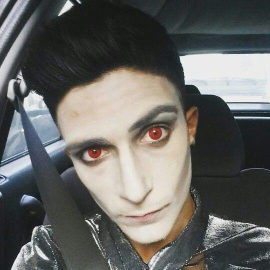 Trucco halloween, vampiro, occhi rossi, stregone, halloween, carnevale, diy, tutorial  creativo.