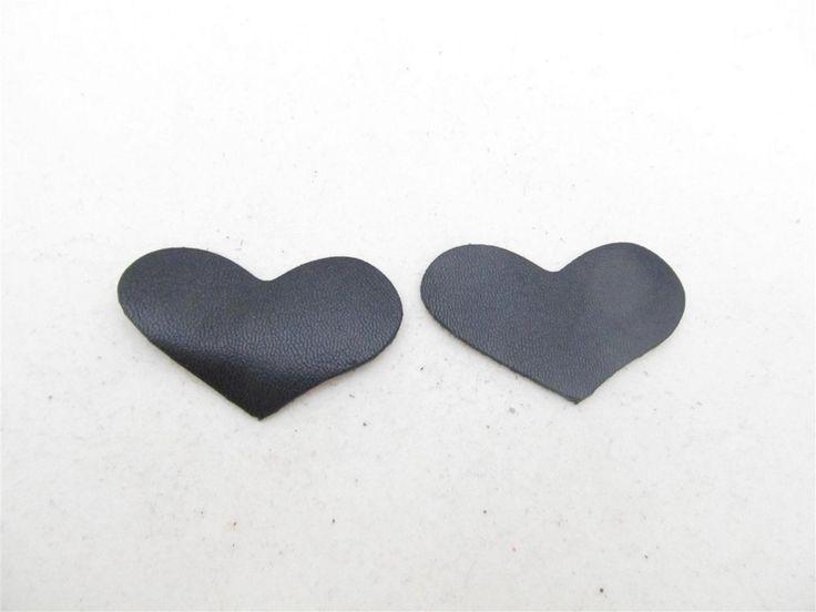 Black leather hearts 42mm (2 pcs)