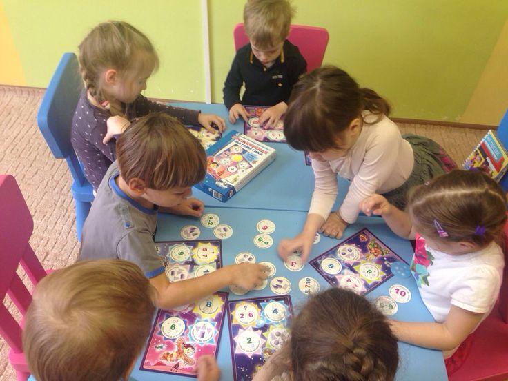 Играем в математическую игру. Основы математики в детском саду. Дети учатся считать. Сложение и вычитание. Островок сокровищ