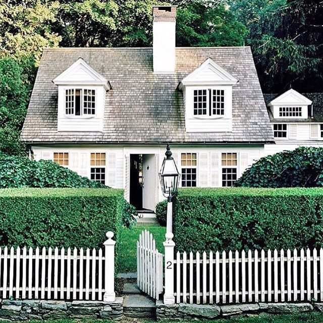 little white cottage charming picket fence dream house house styles details. Black Bedroom Furniture Sets. Home Design Ideas