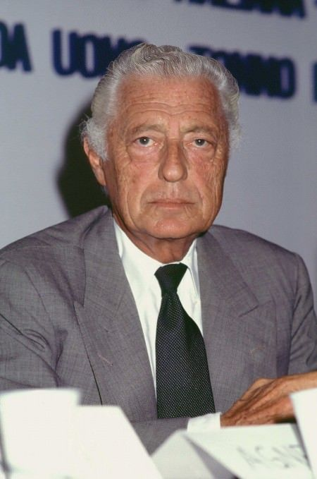 17 Best images about Style Icon: Gianni Agnelli on ...