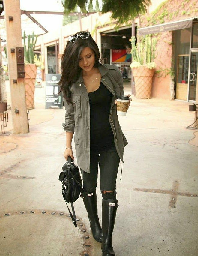 Rainy days are hard to dress for, but these outfits would make my girlfriend look amazing!