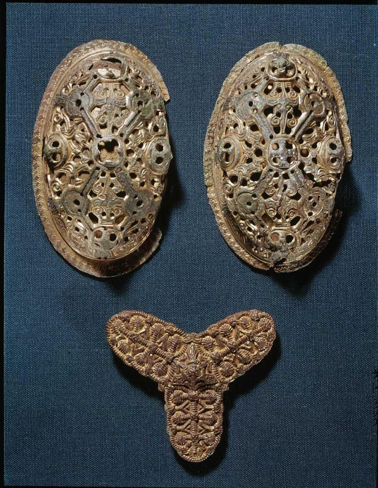 Fibler fra Besser grav 1.