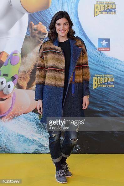 "Jimena Mazucco en la premiere de ""Bob esponja"". Cines Kinepolis, Madrid. Abrigo Ana Locking Zapatillas Adidas para Foot Lockers"