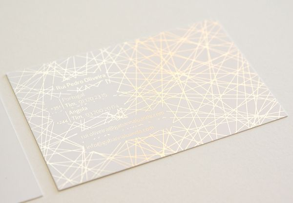 Impressão Offset | Estampa de Prata a Frio Localizada em Fundo Branco :: Offset Printing | Silver Cold Stamping Located in White Background