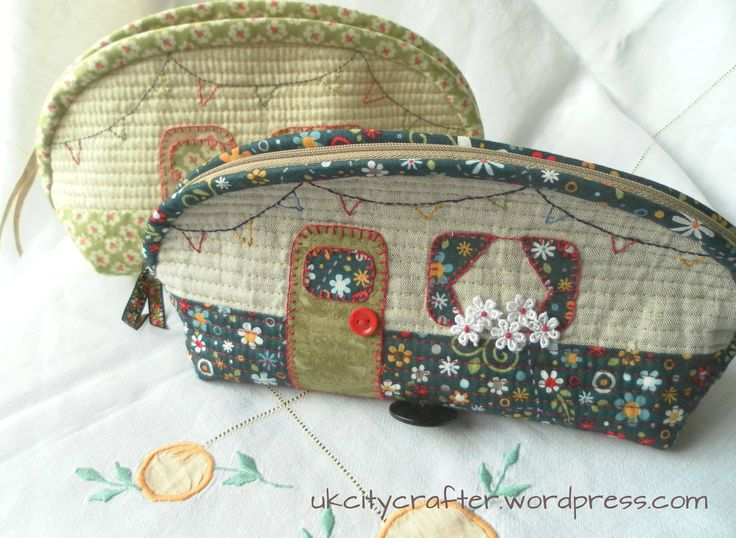 Free pattern @ UK City Crafter - Caravan Pouch Thanks so xox ☆ ★ https://uk.pinterest.com/peacefuldoves/