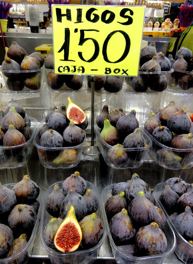 Figs at the Mercat de la Bouqueria in Barcelona