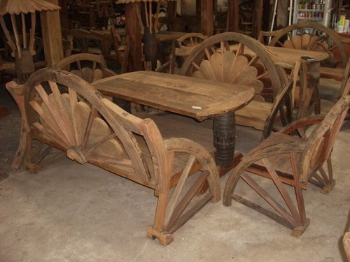 Wagon Wheel Furniture Maker In New York City.
