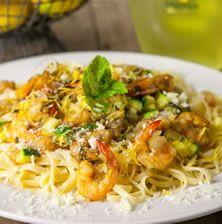 Ένα ανέλπιστα δροσερό και ντελικάτο πιάτο που συνδυάζει την ευγενική σάρκα από τις γαρίδες με το δροσερό λιμοντσέλο