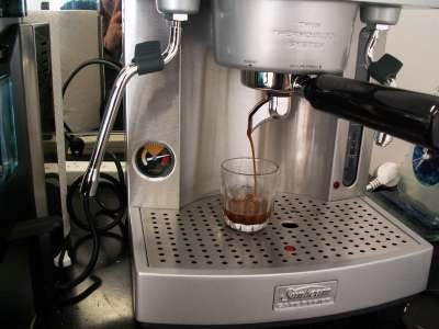 10 best coffee fact images on pinterest coffee machines espresso coffee for connoisseurs sunbeam em6910 the sunbeam has a brew pressure gauge on the left front of the machine in theory shots in the wide yellow fandeluxe Gallery