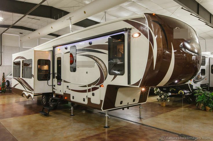 Big closets, Fifth wheel and Travel trailers on Pinterest