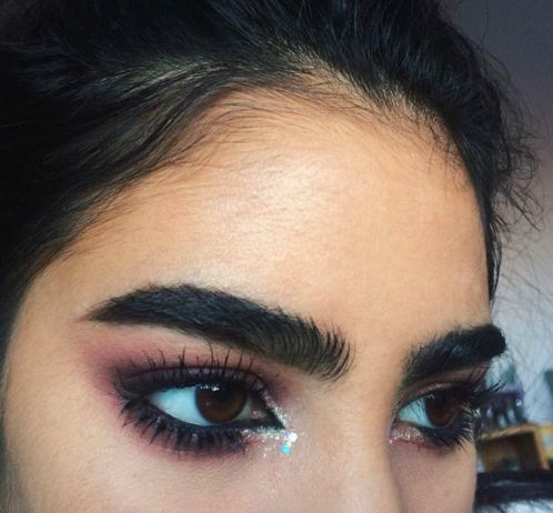 I understand some ppl have naturally thick brows, and while these are on fleek, they're a bit much