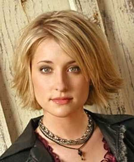 30 Very Best Short Hairstyles For Round Faces | Laddiez
