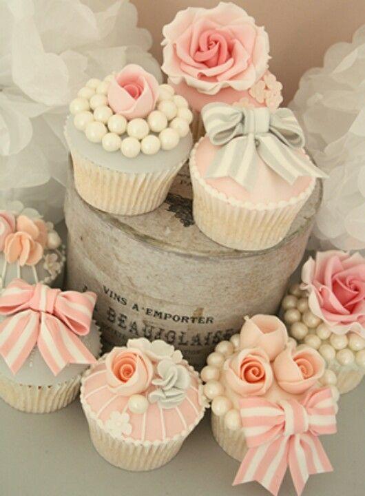 Vintage cupcakes                                                                                                                                                                                 More
