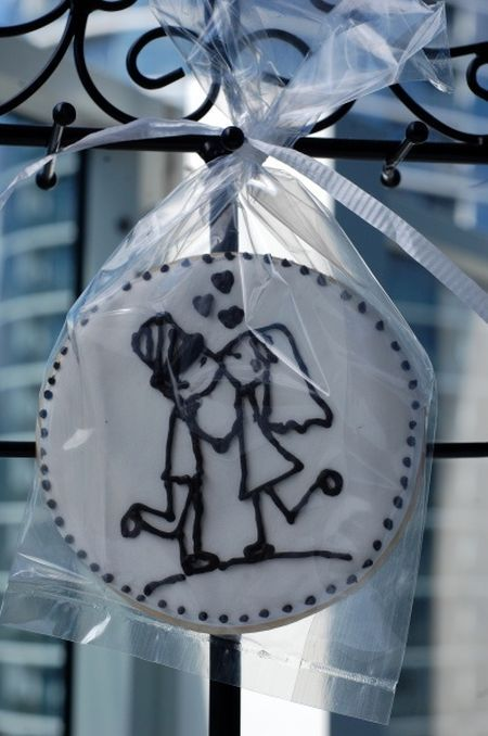Uniquely Decorated Cookie Wedding Favors Is An Excellent Idea See More Cookies And