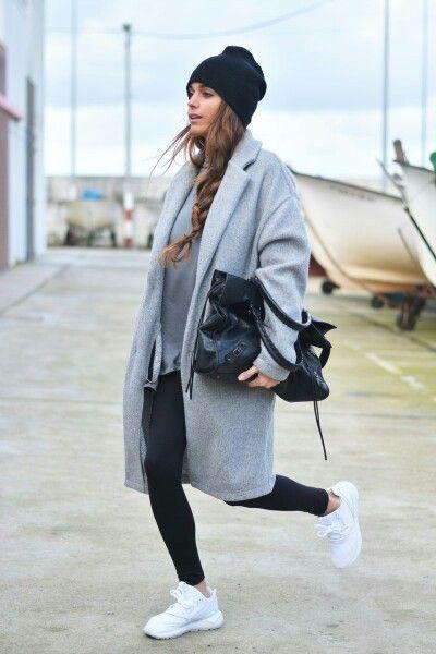 Street style casual adidas tubular