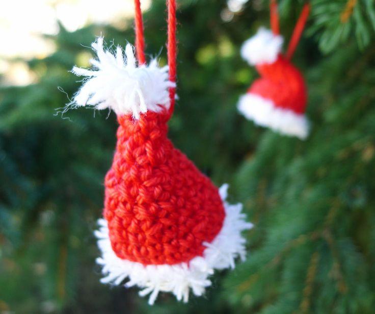 Häkelanleitung Weihnachtsmannmütze für den Christbaum - Häkelanleitungen bei Makerist