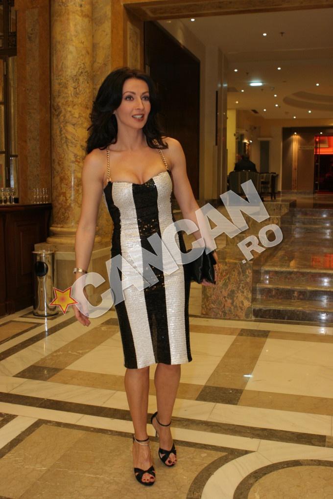 Mihaela are o colectie impresionanta de genti semnate de celebra casa de moda