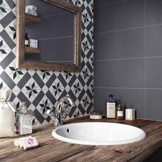 Carreau de ciment & bois dans la salle de bain.