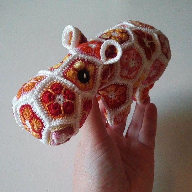 Happypotamus. Virkad. Crochet.