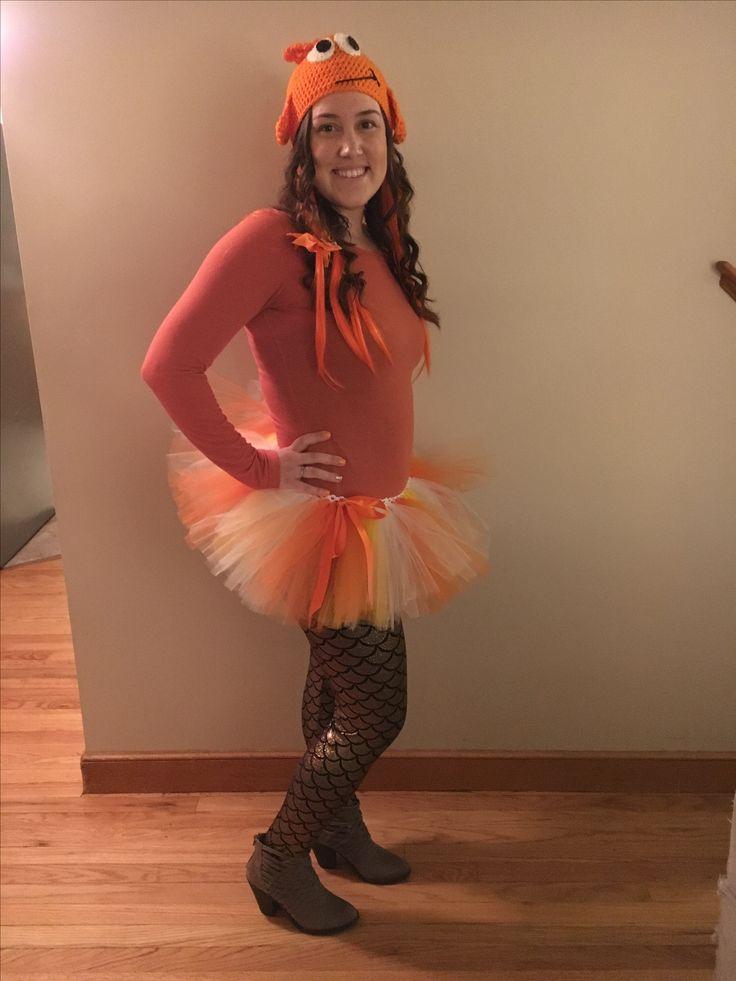 c9b78ec53ece020b64a25841153a364b goldfish costume halloween