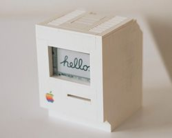 Berlin-based programmer Jannis Hermanns has successfully create a Lego computer in the form of a vintage Apple Macintosh.