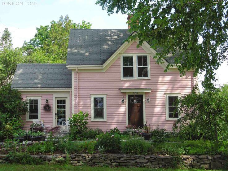 Pink cottage, Castine, Maine