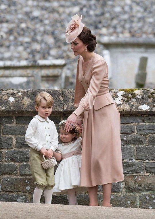 Vévodkyně Kate s dětmi Georgem a Charlotte