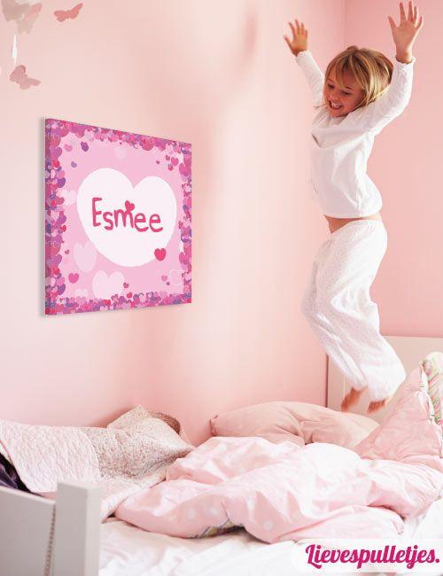 Een lieve muurdecoratie voor de meisjes baby- of kinderkamer ol met hartjes. Deze muurdecoratie wordt gratis gepersonaliseerd! Verkrijgbaar in diverse afmetingen. https://www.lievespulletjes.nl/muurdecoratie-babykamer-hartjes-esmee/