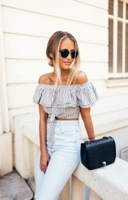 Off the shoulder tops make such cute crop tops!