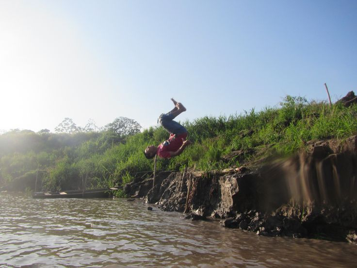 Flipssssss! Young gentleman from Santa Clara performs a backflip into the Amazon River.   Great day before taking Ayahuasca in the village that evening.   www.threeeyesopen.co.uk/ayahuasca  #peru #amazonriver #backflip #acrobatics #riverbank #ayahuasca
