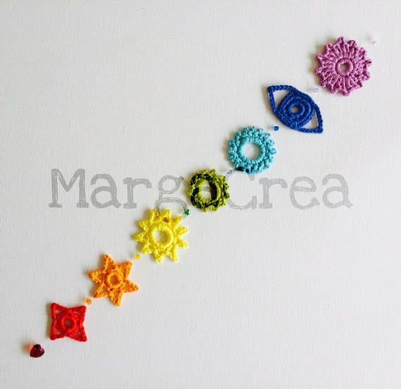 Chakras de ganchillo hechos a mano. Patrón de ganchillo disponible en inglés y español. Hecho a mano. Material: Algodón. Longitud: 35 cm
