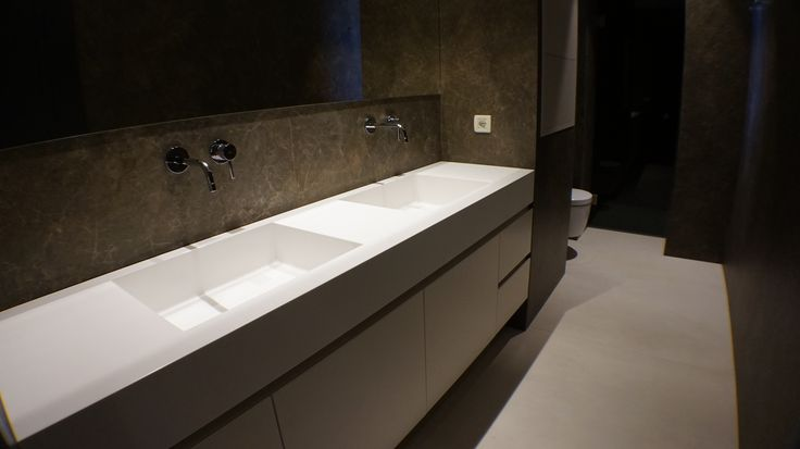 Bathroom l private House l Construction by Petsis