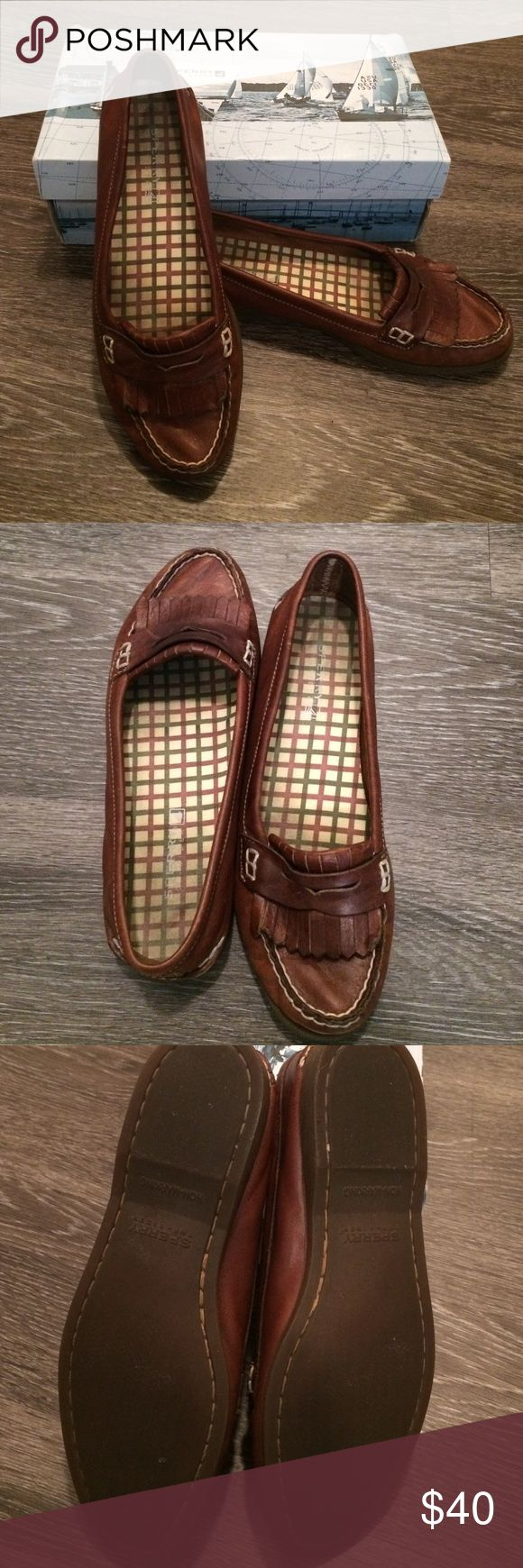 Sperry Loafers Gently worn Sperry Top-Sider Shoes Flats & Loafers
