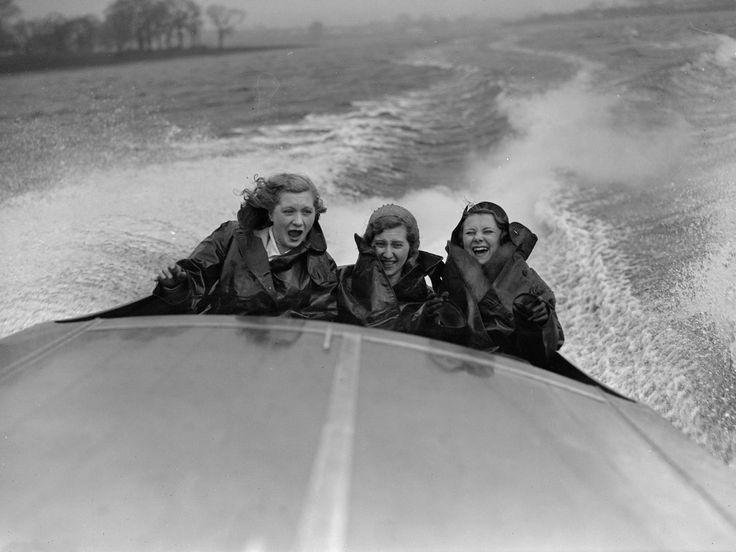 March 1931: British Aviatrix Amy Johnson (1903 – 1941) and British actress Anna Neagle (1904 – 1986) at the opening of the speedboat season.