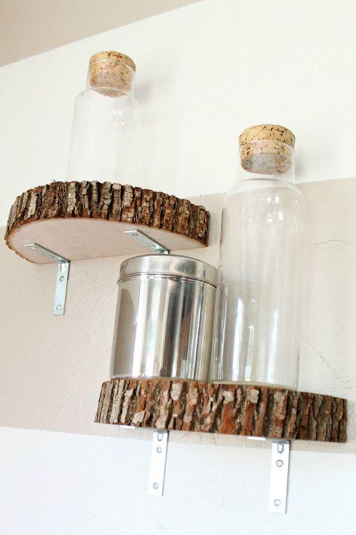 Wie schick! Sie können diese modernen industriellen Holzscheibenregale in kürz…