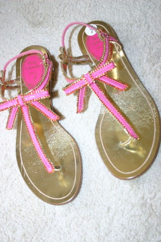 so cute.: Pink Sandals, Bows Pretty, Cute Bows, Closet Isnt, Martinis Cakes, Pink Ribbons, Pink Bows, Bows Sandals, Rene Caovilla Sandals