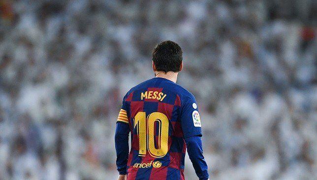 ميسي يعيش موسمه الأسوأ فرديا منذ تتويجه بأول كرة ذهبية سبورت 360 يمر ليونيل ميسي مهاجم برشلونة بأوقات عصيبة خلال الموسم الحال In 2020 Messi 10 Sports Jersey Jersey