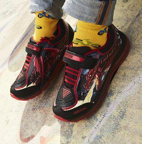 Ακαταμάχητα Urban αγορίστικα sneakers GEOX με λάστιχο & αυτοκόλλητο για τέλεια εφαρμογή !