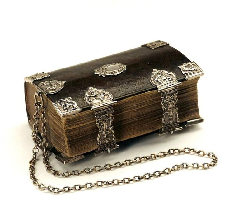 Chained Bible with Dutch silver - Ao 1794